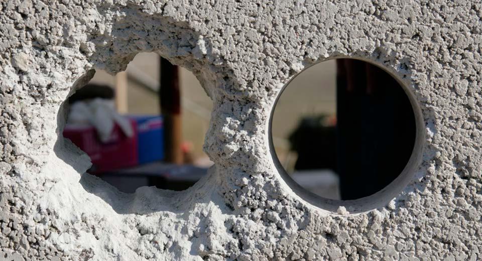 Как сделать сквозное отверстие для приточной вентиляции в стене