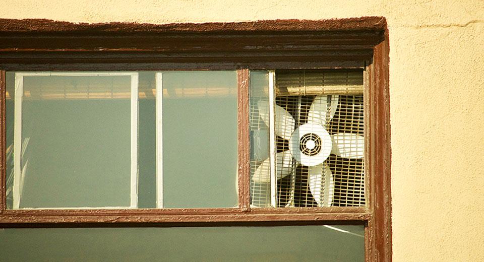 Сквозь стены: вентиляция на улицу