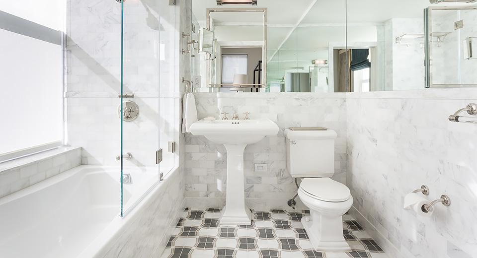 Расширяем ванную комнату