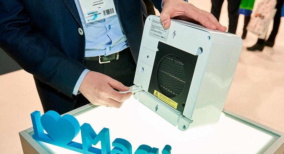 Нагреватель устанавливается на входе воздуха в прибор