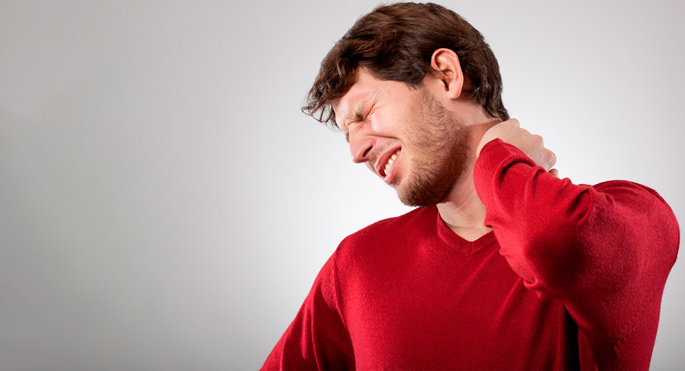 Продуло шею: что делать и как лечить