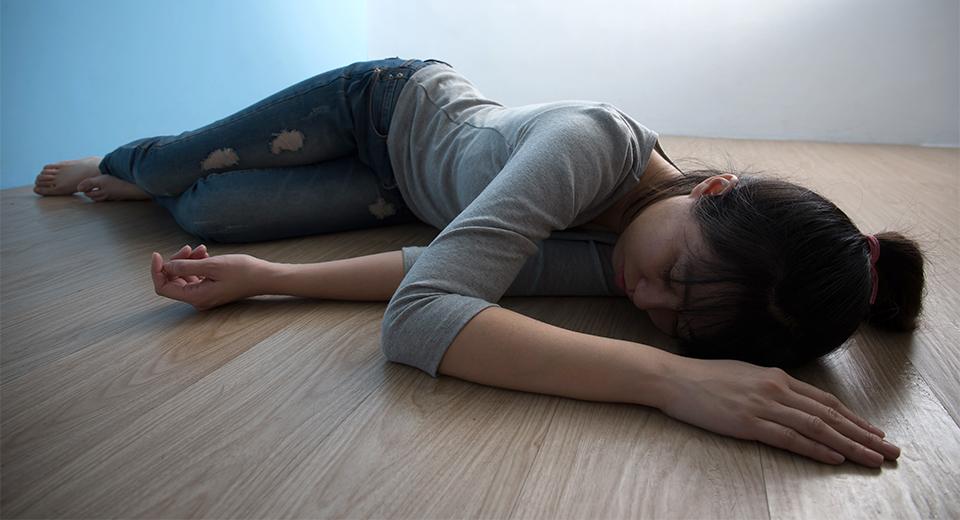 Признаки депрессии у женщин: симптомы после 40-50 лет, причины и степени депрессивного состояния, как лечить недуг.