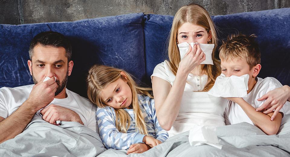 Как избавиться от насморка в домашних условиях — эффективные медикаментозные и народные средства